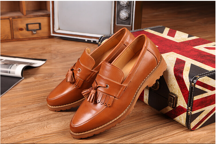 2015 Hot sale NEW Tassel Vintage Oxfords Men Leather Shoes Casual Business Shoes Slip On Breathable Men Shoes(China (Mainland))