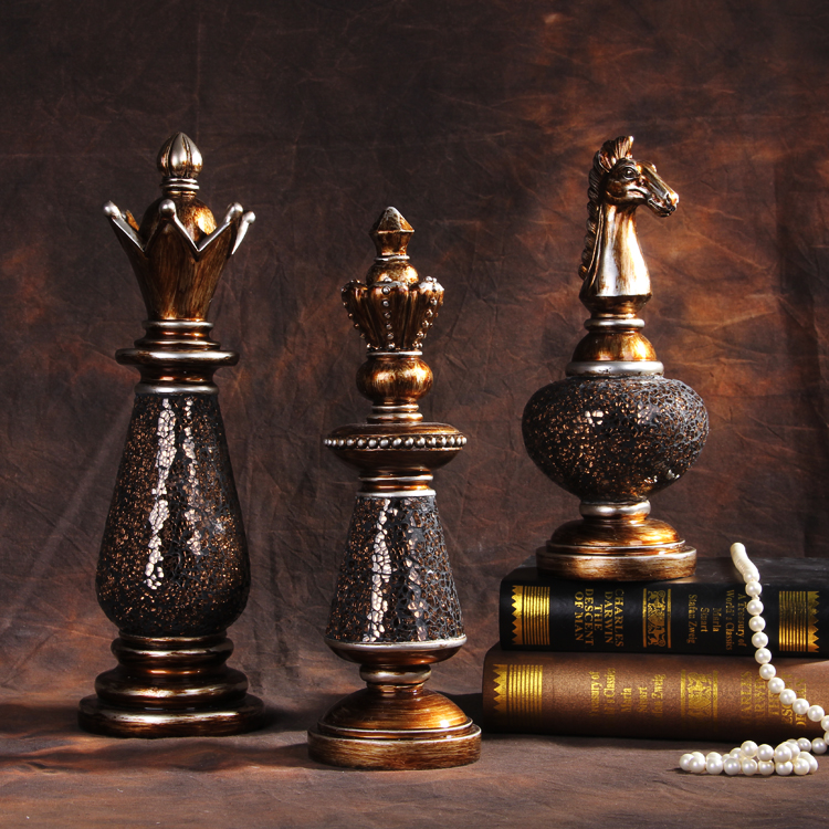 Free shipping american fashion chess style decor resin craft 3 pieces per set with king queen for Images of decoration pieces
