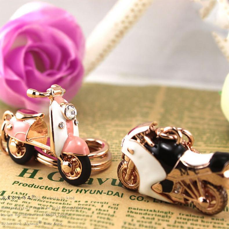 Розовый Скутер Горный Хрусталь Брелок Новый Дизайн Мотоцикла Мода Розовое Золото UVOGUE Марка Аксессуары Ювелирные Изделия Оптом