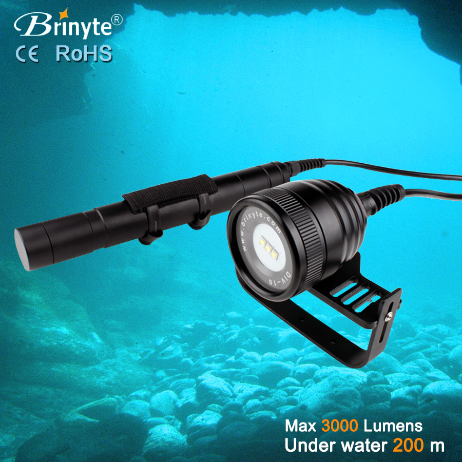 New Arrivel Brinyte DIV10V 3000 Lumens Cave Dive Lantern Flashlight 3X CREE XML L2 LED Diving Torch use 26650(China (Mainland))
