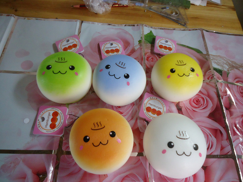 (Update quality )20pcs/lots 10cm cute lovely bread squishy humburger tags