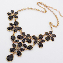 Palace leaf flower Statement Necklace 2015 Fashion Bib Vintage Big Choker Exaggeration Necklace(China (Mainland))