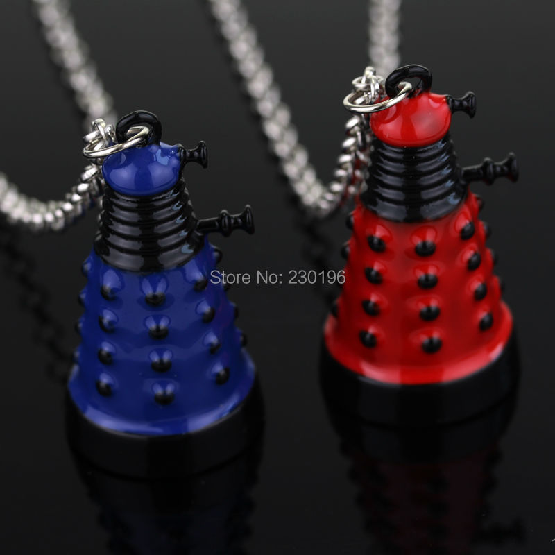 Hot Movie Dr Doctor Who Dalek Necklace Fashion Retro Alien Robot Red and Blue Pendant alloy for women and men fans(China (Mainland))