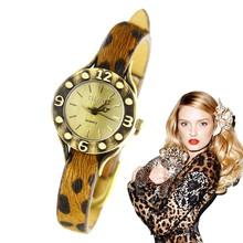 Venta caliente envío rápido moda pequeño clásico de la moda vintage leopard print correa de reloj de mesa mujeres mejor precio