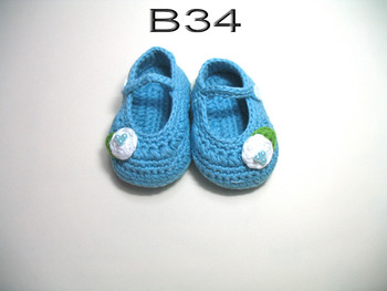 free shipping,handmade crochet baby shoes 100% cotton.Double soles,baby Crib Shoes House shoes blue with white flower