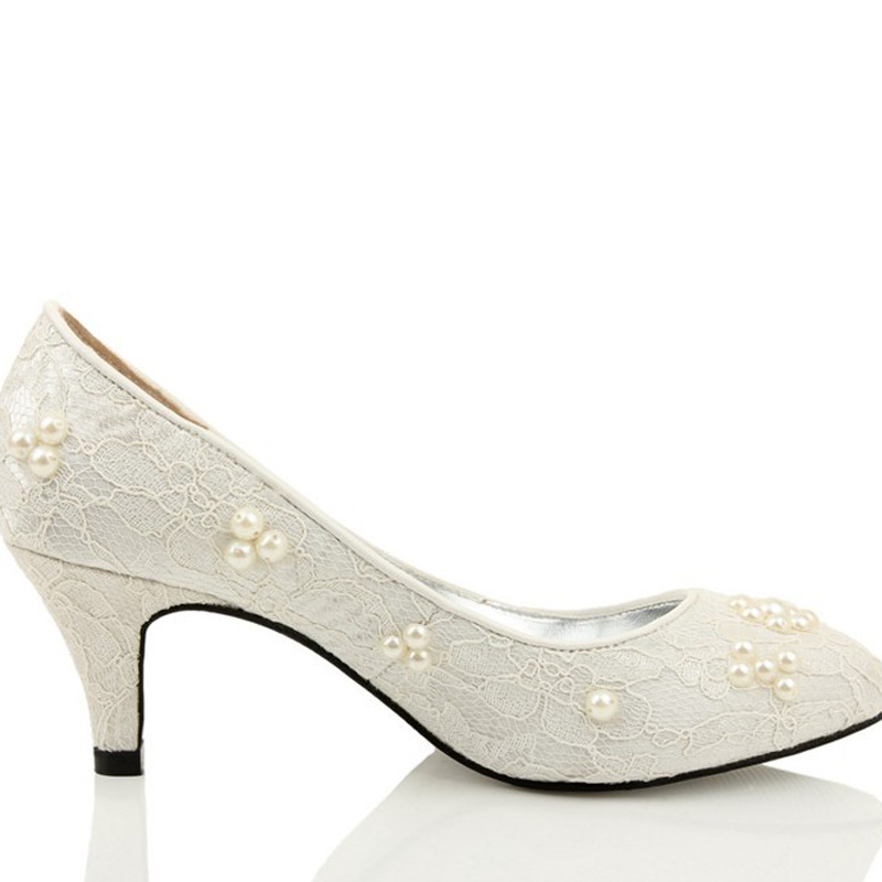 Фотография Fashion Round Toe Wedding Shes bridal gowns Dress Shoes Mermaid Dress Shoes Spring Ivory Low Heel Shoe Party Prom Nice Shoe