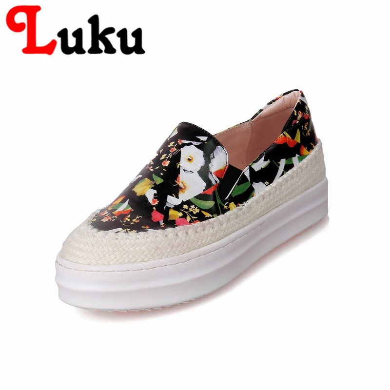 Фотография New trendy popular low heel flats platform with patchwork concise women pure color shoes made of high quality genuine leather
