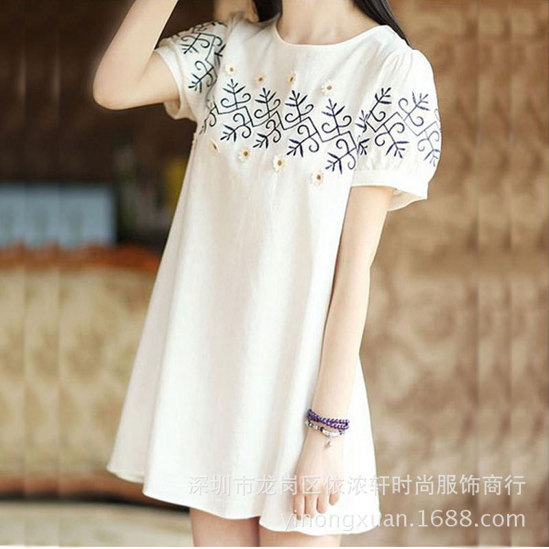 2016 new Japanese Mori girl lovely fresh flowers white short sleeved loose embroidery Institute wind cotton dress(China (Mainland))