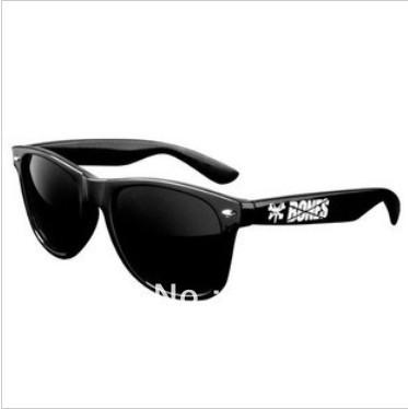 2013 Classic red bones skateboard  sunglasses  vintage street ride