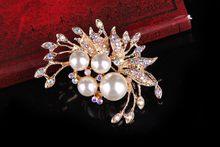 Vendita calda di Stile Dell'annata Rhodium Placcato Sereno Austria Cristalli D'imitazione Della Perla Grande Fiocco Spilla per le donne Accessori Da Sposa(China)