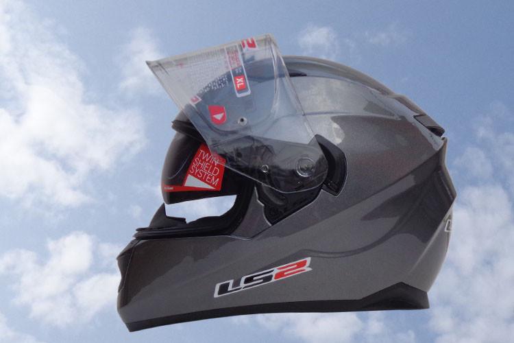 Купить Новые прибытия 100% оригинал ff328 LS2 мотоциклетный шлем с внутренней солнцезащитный козырек полной стороны шлема двойной козырек шлема с подушками безопасности