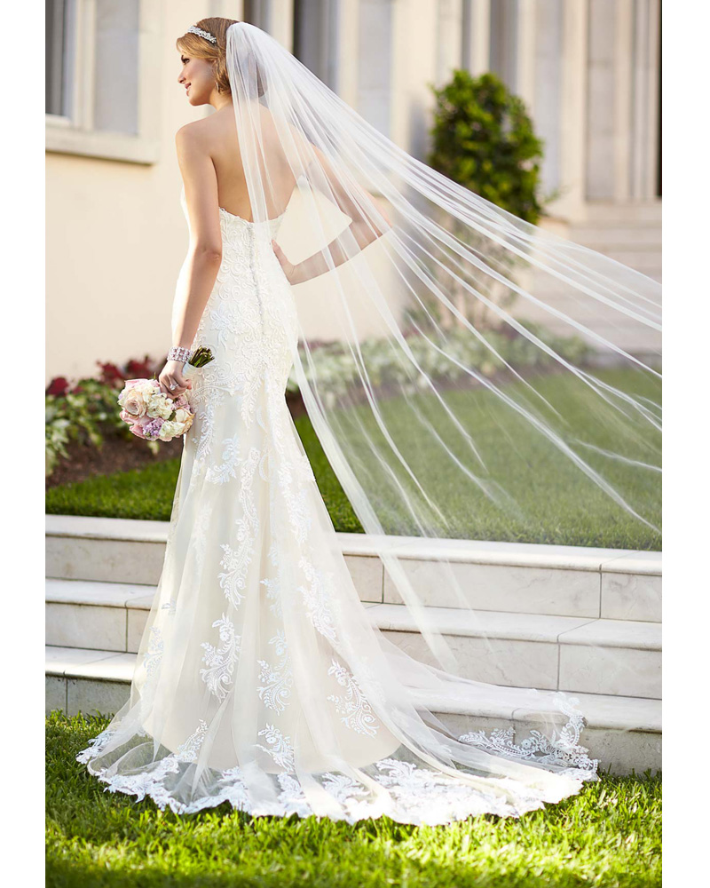 Sweetheart Lace Wedding Dress White Delicate Fitted