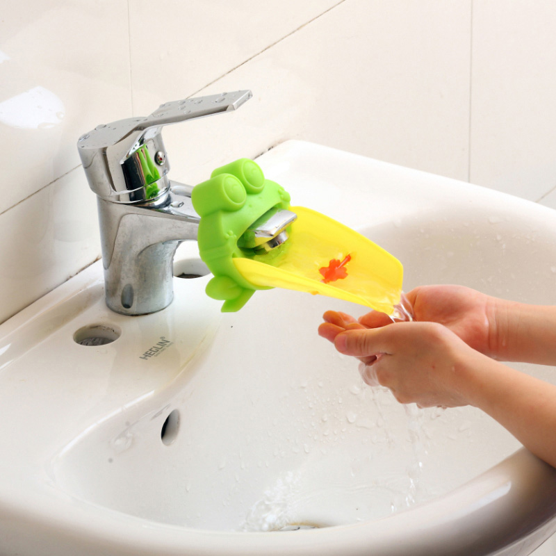 free shipping Cute Frog Bathroom Sink Faucet Chute Extender Children Kids Washing Hands convenient for baby, washing helper NG4S(China (Mainland))