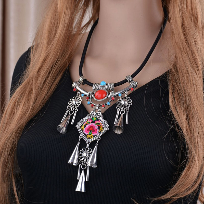ZA Brand Vintage Choker Tibetan Silver Plated Ethnic Necklace Big Tassel Flower Pendant Rope Chain Embroidery Chokers Necklaces(China (Mainland))