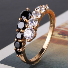New 2014 Classic 18K Gold Plated Black and White Swiss Zircon CZ Band Ring For Women Love Jewelry Free Shipping (GULICX R110)