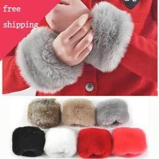 With the money the Japanese fur wind wristband large plush cuff bracelet hand bracelet bracelet sleeves(China (Mainland))