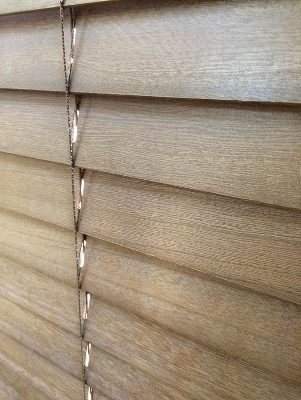wooden blind (1)