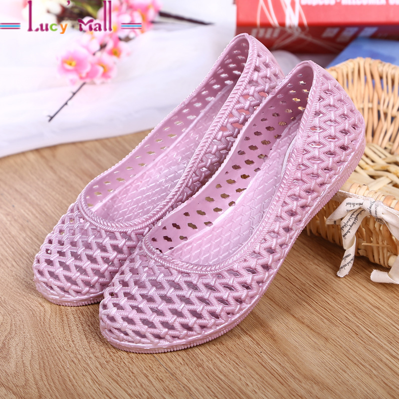 Women's Summer Walking Breathable Jelly Hole Sandals Ladies Comfortable and Easy to Slip On and Off Soft Flat Heel Casual Shoes(China (Mainland))