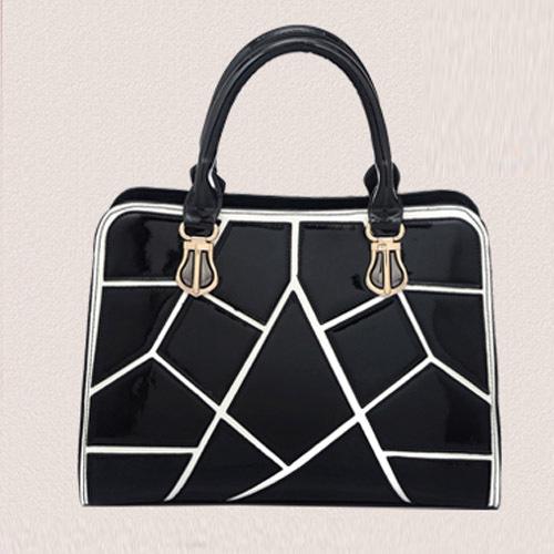 Здесь можно купить  Hot Sale Black And White Plaid Stitching Hit Color Portable Shoulder Bag Bright Skin Bag  Камера и Сумки