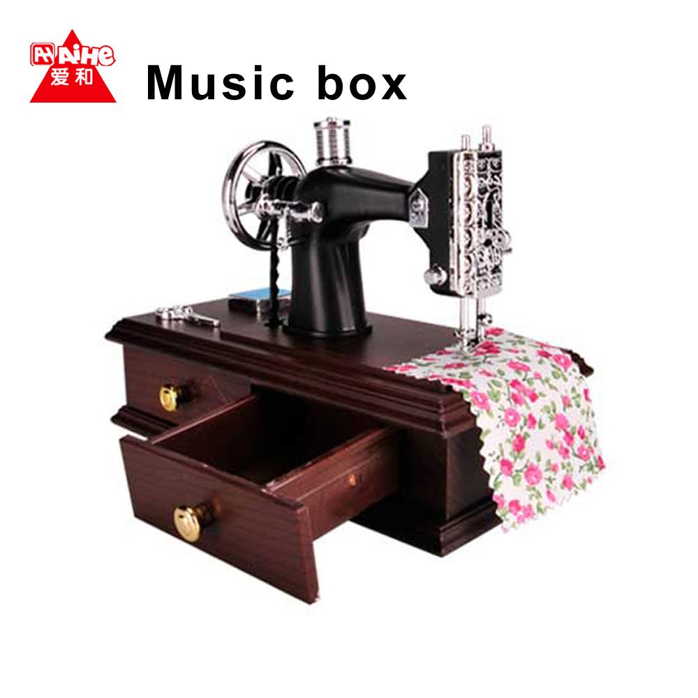 vintage mini sewing machine music box neceser sartorius modelo musical giratoria del juguete. Black Bedroom Furniture Sets. Home Design Ideas