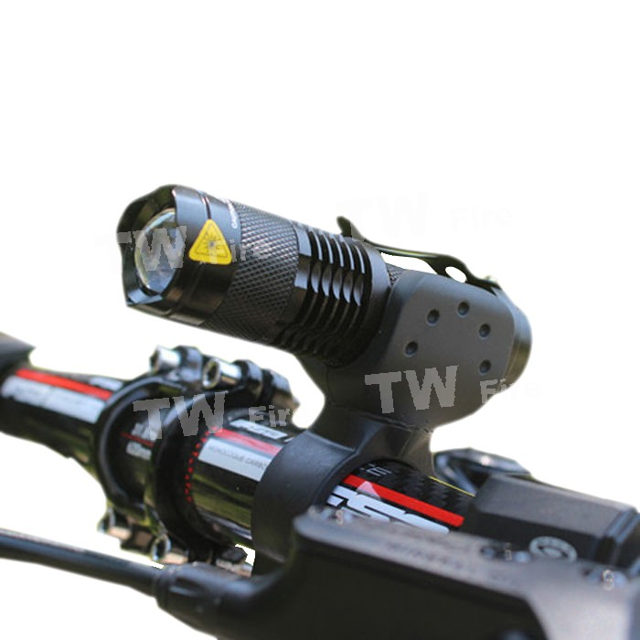 2000lm bike light CREE Q5 zoom flashlight mini torch LED Cycling Bike Bicycle Front Head Light With Mount(China (Mainland))