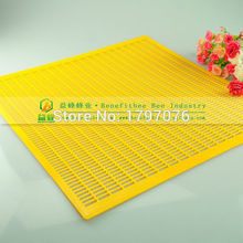 100pcs/CTN Yellow Beekeeping Beehive Plastic Queen Excluder (420* 510cm)(China (Mainland))