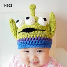 Little monster hat Handmade Crochet Newborn baby ET Alien Hat in Green and Blue Lovely Caps for Photo Prop and Halloween Gift