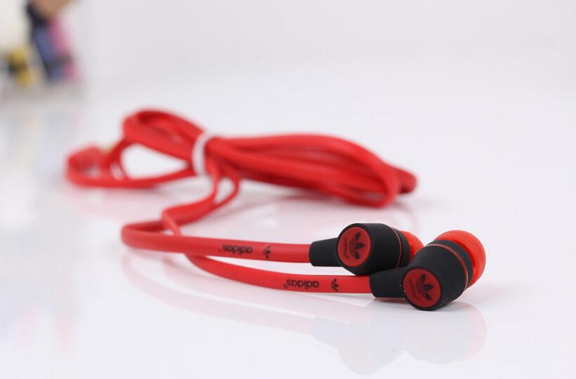 2015 hot 3 5mm in ear headphones headsets earphones for IPHONE 3 4 4s 5 5s