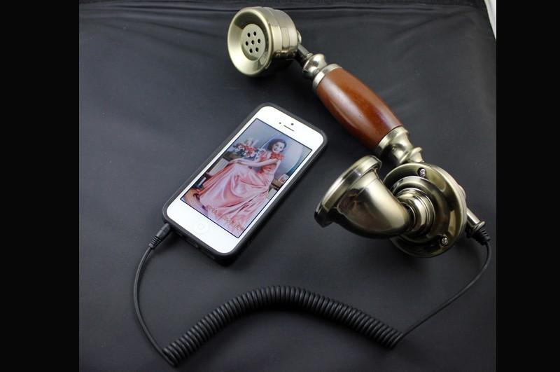 Vintage classical 3.5mm Retro Phone Headset Telephone Receiver Anti-radiation Mobile Phone Handset Earphone Headphone for iphone(China (Mainland))