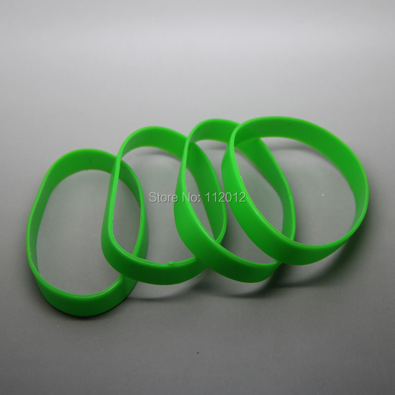 Lot of 20-GREEN Silicone blank Wristband powerful Rubber Bracelets good luck gift ,Free Shipping.(China (Mainland))