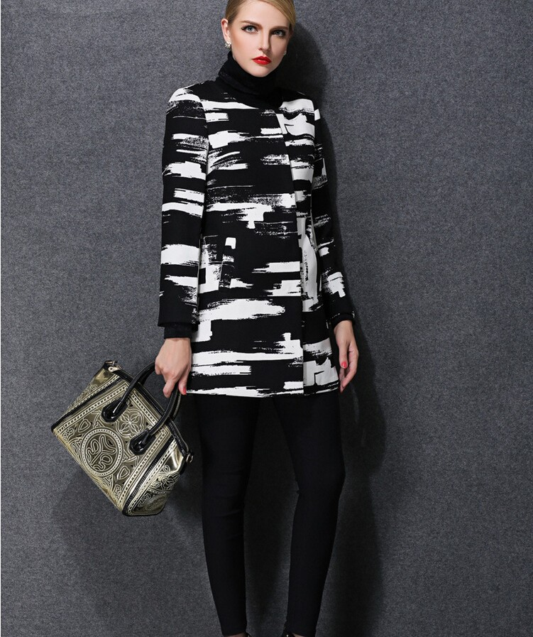 Europe 2016 hot sell new autumn/winter fashion women clothing elegant printed round neck long sleeve coat loose big yards D-0992