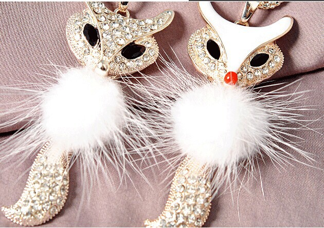 The new fox sweater chain Fashion crystal long necklace female decorative chain accesories(China (Mainland))