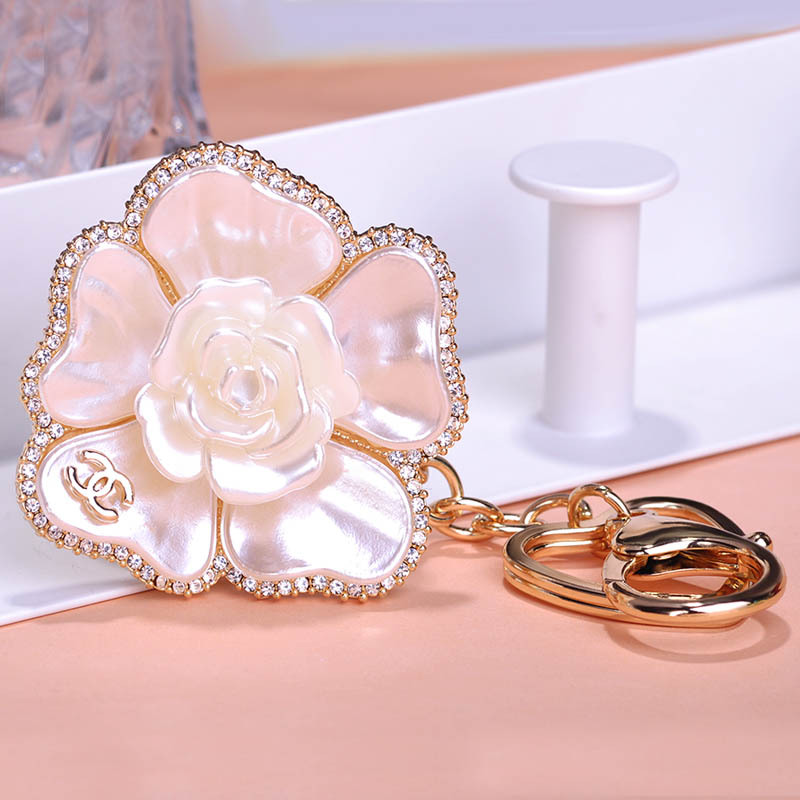Gorgeous Joias Ouro 18K White Shell Camellias Key Chains Holders Keyring Paris Bijoux Coupon Hot Sale C Brand Bag Charm Groot(China (Mainland))