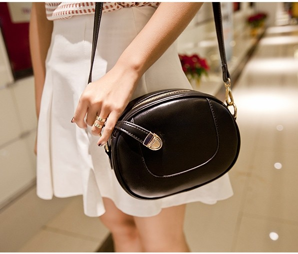 Women Small Cross Body Bags Oval Shaped PU Leather Messenger Bag New 2016 Buckle Strap Free Shipping(China (Mainland))