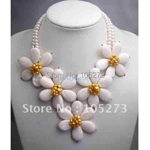 MOTHER OF PEARL SHELL&amp;YELLOW PEARL FLOWER NECKLACE WHOLESALE NEW FREE SHIPPING FN659<br><br>Aliexpress