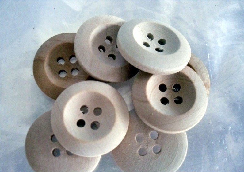 Wholesle 500pcs/lot Nature Color 4 Holes 18mm Wood Sewing Buttons scrapbooking products(China (Mainland))