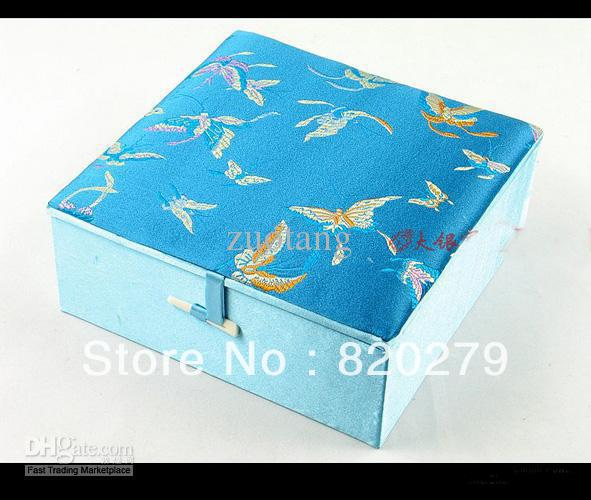 Luxury extra large jewelry boxes for women cotton filled for High end gifts for women