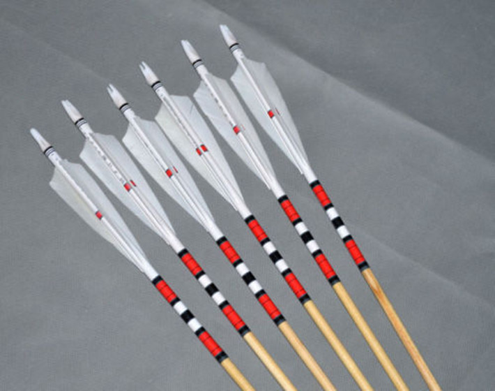6pcs Traditional Wooden Arrows Hunting Arrow Shooting Target Arrows White Feathers 20 70lbs Hunting Archery Arrows