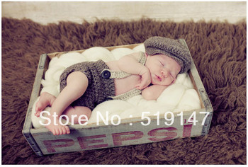 Free shipping cute overalls boy baby hat and shorts  handmade crochet photography props baby hat and shorts