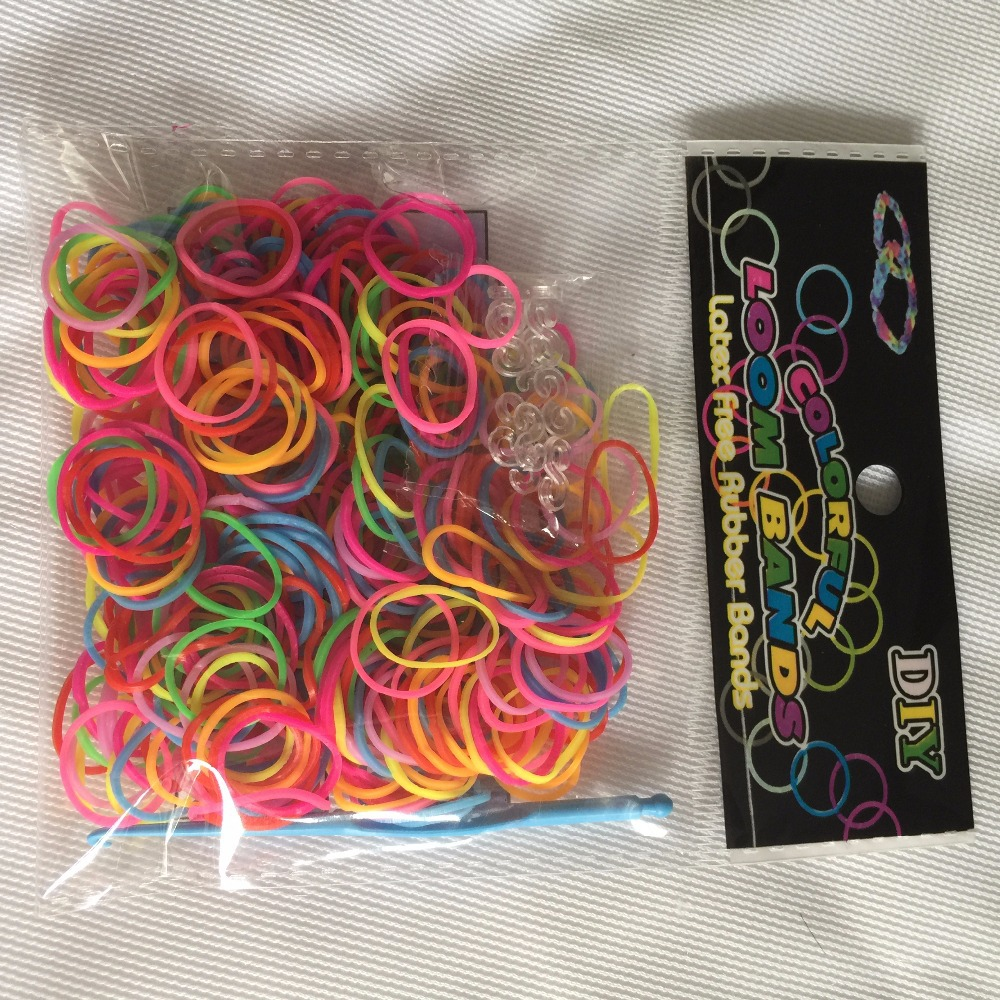 Loom bands 300pcs+S-clip+ tail Multi Loom bands Kits DIY looming Girls Bands Colorful Children Handmade Rubber Band Bracelet(China (Mainland))