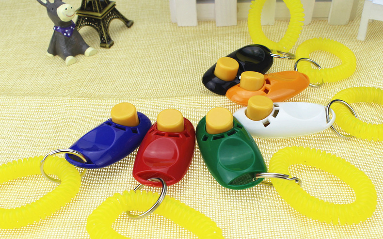 9 kinds of color of the dog's pet bird whistle ultrasonic click on the ring to train the coach's Guide to help free delivery(China (Mainland))