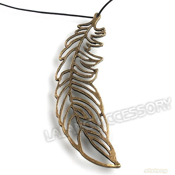 36pcs/lot, Antique Bronze Plated Vintage Leaf Pendant Charms Retro Loop Leaf Pendant  73x20x2mm 141217