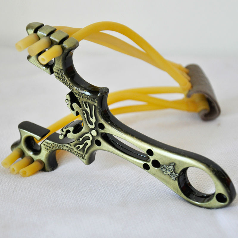 Top Quality Fashion Powerful Wrist Iron Slingshot Traditional Style Toy Outdoor Hunting in the game(China (Mainland))