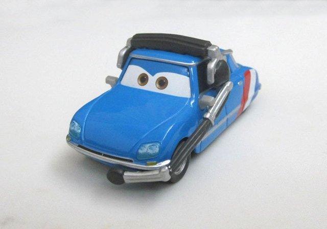 Pixar Cars 2 -Bruno Motoreau Raoul CaRoule Crew Chief Diecast Loose Rare