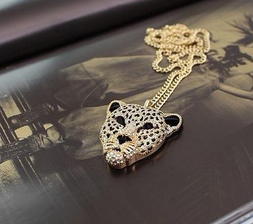 N130 Rhinestone Crystal Leopard Tiger Head Chain necklaces Sweater female pendant vintage retro(China (Mainland))