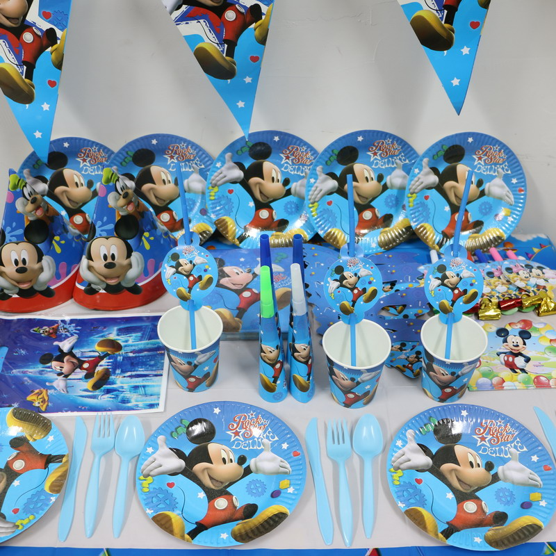 37 Adorable Mickey Mouse Birthday Party Ideas Table