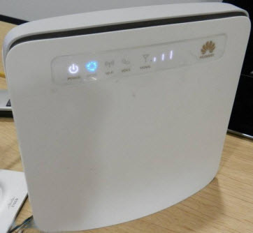 front side of Huawei e5186 wifi router