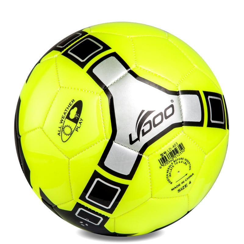 Дизайн с футбольными мячами