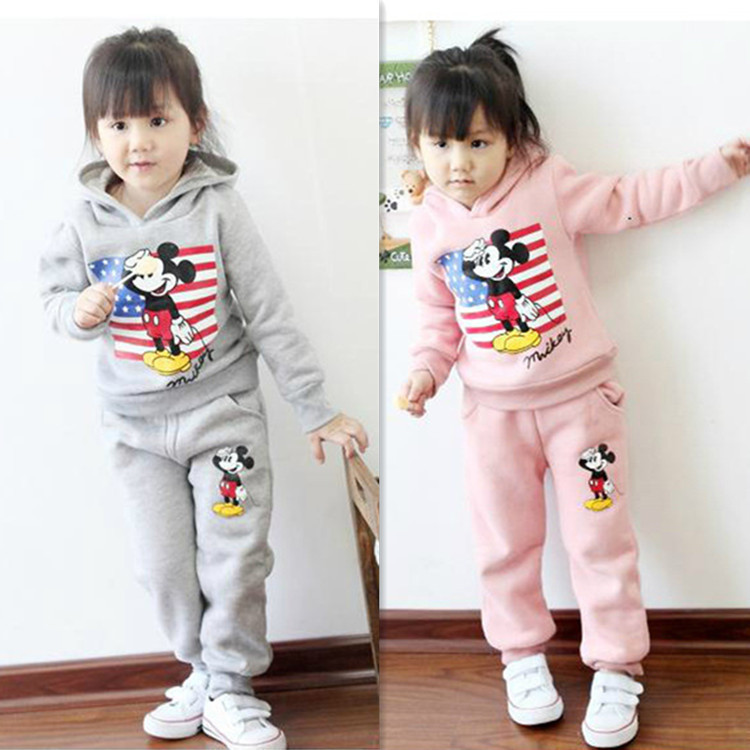 Girls clothing set kids clothes new year sports suit hello kitty for girls autumn winter 2015 frozen winter suits(China (Mainland))