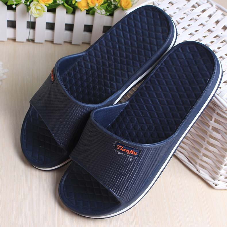 Blue and Grey Color Open Toe Plastic Massage Slippers for The Bathroom Lightweight Bathroom Slippers Home Couples(China (Mainland))